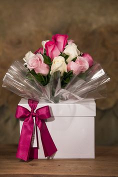 Flowers Gif, Pink Flowers, Valentines Flowers, Valentine Gifts, Birthday Decorations, Flower Decorations, Birthday Cards, Happy Birthday, Bouquet Wrap