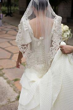 traditional Filipino wedding terno by Veluz-Reyes Filipiniana Wedding, Filipiniana Dress, Plan My Wedding, Dream Wedding, Wedding Ideas, Traditional Wedding, Traditional Dresses, Filipino Wedding Traditions, Designer Wedding Gowns