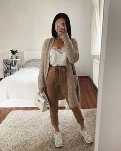 Invest in yourself / and good Outfits 🔥 like our babe 💕 Tap to shop + get OFF everything with code Fashion Mode, Look Fashion, Korean Fashion, Petite Fashion, Simple Outfits, Classy Outfits, Trendy Outfits, Simple College Outfits, Chill Outfits