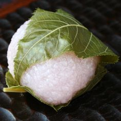 Sakura Mochi (Kansai-style) 関西風桜餅. More info here: http://kyotofoodie.com/sakura-mochi-kansai-style/
