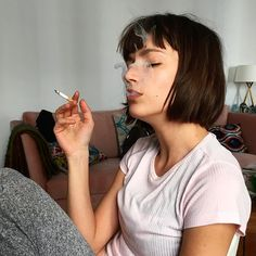 Find images and videos about girl, beautiful and hair on We Heart It - the app to get lost in what you love. Girls Short Haircuts, Short Girls, Princess Inspired Outfits, Women Smoking, Girl Inspiration, Beautiful Person, Grunge Hair, Celebs, Celebrities
