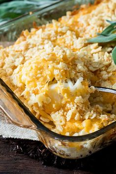 Amish Egg and Hash Brown Casserole - this casseroles is the BEST way to use up leftover eggs! #leftovereggrecipe Potato Egg Casserole, Egg And Cheese Casserole, Asparagus Casserole, Breakfast Casserole, Casserole Dishes, Squash Casserole, Amish Recipes, Cooking Recipes, Cooking Ideas