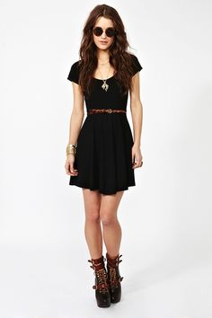 i like this dress, there is also a cut out in the small of the back..HEY look my shoes, just in a different color.