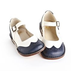 Italian kids shoes. Spectator Mary Janes by PePe.
