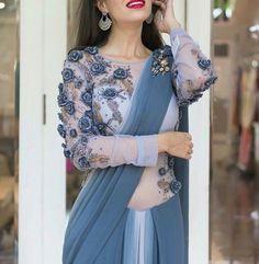 Modern Blouse Designs for Your Gorgeous Look - Fashion Saree Blouse Neck Designs, Saree Blouse Patterns, Bridal Blouse Designs, Modern Blouse Designs, Stylish Blouse Design, Saree Trends, Stylish Sarees, Trendy Sarees, Elegant Saree