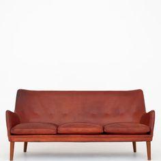 sofa i patineret læder Unique Furniture, Teak, Love Seat, Couch, Home Decor, Homemade Home Decor, Sofa, Couches, Sofas