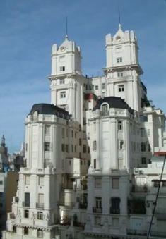 cupulas buenos aires - Un rincón del barrio de Belgrano Gods Glory, Down South, Notre Dame, Castle, Urban, Country, Travel, Buenos Aires, The Neighbourhood