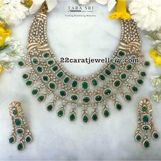 diamond-emerald-hand