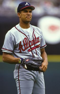 David Justice -- career, batting with 305 home runs and 1017 RBIs. His biggest achievement is making the postseason for 11 years straight between Justice, is a member of the Atlanta Braves Hall of Fame. Baseball Playoffs, Best Baseball Player, Major League Baseball Teams, Braves Baseball, Mlb Teams, Sports Teams, Baseball Park, David Justice, Atlanta Braves Baby