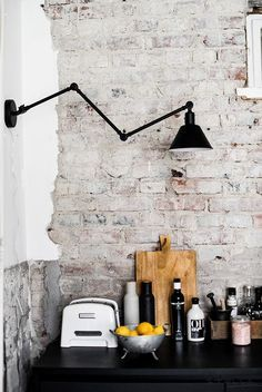 Best Ideas For Modern Restaurant Seating Brick Walls Restaurant Seating, Modern Restaurant, Industrial Restaurant, Classic Kitchen, Rustic Kitchen, Look Wallpaper, White Brick Walls, White Bricks, Black Brick