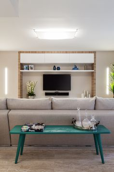 Project by 2id interiors - South Beach Contemporary Elegant Cozy Beach Living room. Neutral colors with turquoise and blue accents.