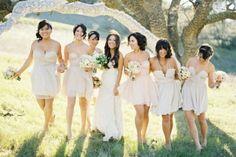 weiße Farbe kurze Brautjungfernkleider Spaziergang im Park
