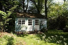"""""""A vidéki otthon"""": Kék kerti házikó.."""