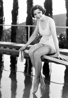 """So beautiful and yet she would only let herself be filmed/photographed from her """"good side"""" (left side). Claudette Colbert, 1933"""