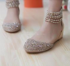 Glittering Cowhide Upper Flat Heels Closed Toe Shoes with Beads
