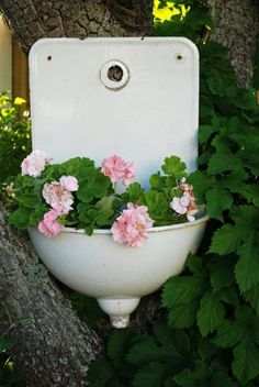 Enamel sink as flower container
