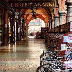 Italy - Bologna  - Nanni Bookstore