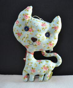 Gato floral delicado