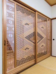 技の結晶|木下木芸 Home Room Design, Jaali Design, Furniture Design Sketches, Feature Wall Design, Decorative Panels, Japanese Woodworking, Wooden Panelling, Shoji Screen Doors, Wood Design
