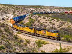 RailPictures.Net Photo: UP 8678 Union Pacific SD70ACe at Vail, Arizona by AZrailfan