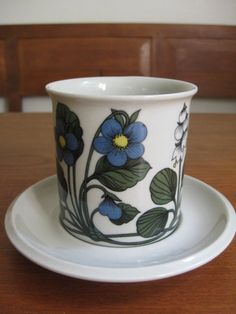 ARABIA of Finland FLORA Tall Cup and Saucer by ScandinavianMood