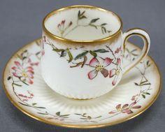 Tea Cup Set, Cup And Saucer Set, Tea Cup Saucer, Tea Sets, Cup And Saucer Crafts, Antique Tea Cups, Vintage Teacups, Café Chocolate, Tea Snacks