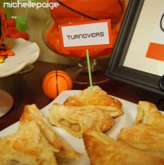 Basketball party idea - food that has a name related to basketball #basketball #party #sports