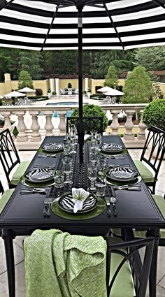Welcome dinner guests with the elegance and exuberance of our Wilshire Dining Collection. | Bill Hudgens for Atlanta Symphony Orchestra Show House 2015