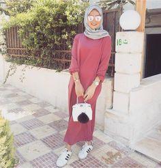 "324 Likes, 2 Comments - @worldwidemuslimahs on Instagram: ""@sauf.etc #worldwidemuslimahs #pink #hijab #muslimah #muslim #softtones #flawless #fleek #chic…"""