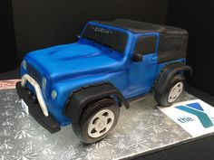 3-D hand carved Jeep cake #jeep #cake #fondant
