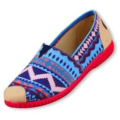 Canvas Aztec Flats come in many styles! ($13) ❤ liked on Polyvore featuring shoes, flats, aztec print shoes, canvas shoes, flat pump shoes, aztec shoes and flat heel shoes
