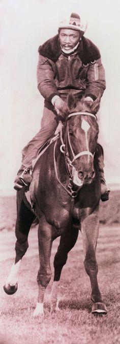 Secretariat with rider Charlie Davis