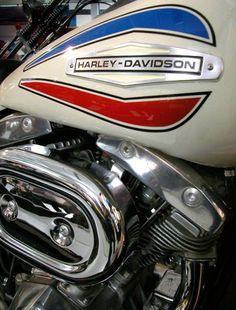 """doyoulikevintage: """"1971 Harley-Davidson Super Glide """""""