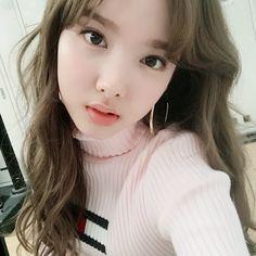 Twice - Nayeon K Pop, South Korean Girls, Korean Girl Groups, Bts Kim, Mauricio Pochettino, Sana Momo, Chaeyoung Twice, Nayeon Twice, Twice Once