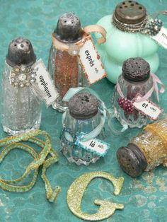 vintage salt & pepper shakers = glitter bottles