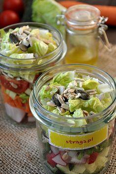 Przepisy na letnie sałatki - Damsko-męskie spojrzenie na kuchnię Pickles, Cucumber, Salad, Food, Bulgur, Pickle, Cauliflower, Salads, Meals