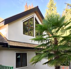 Smooth exterior white plaster finish with sharp corners Interior Projects, Home, Stucco Homes, Natural Finish, Outdoor Decor, Interior, Contemporary, Contemporary Design, Exterior