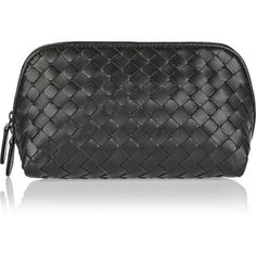 Bottega Veneta Intrecciato leather cosmetics case (€505) ❤ liked on Polyvore featuring beauty products, beauty accessories, bags & cases, black, travel bag, toiletry kits, makeup purse, make up bag and cosmetic bags