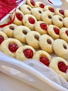 Dovete provare assolutamente questi biscotti al cocco, buonissimi facili da preparare, avrete un dolcetto pronto in pochi minuti per i vostri ospiti!