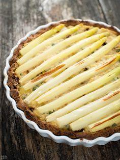 true taste hunters - kuchnia wegańska: Tarta z białymi szparagami, suszonymi pomidorami i...