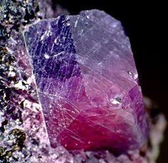 Corundum var. Ruby-Sapphire crystal