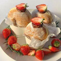 French Desserts, Cute Desserts, Delicious Desserts, Dessert Recipes, Dessert Food, I Love Food, Good Food, Yummy Food, Comida Picnic