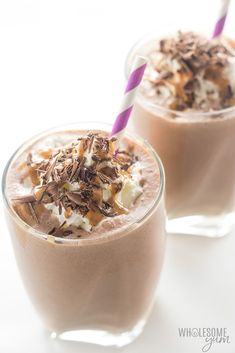 Healthy Chocolate Peanut Butter Low Carb Smoothie Recipe - This keto chocolate peanut butter smoothie recipe will be one of your fave healthy low carb smoothies. So creamy, and ready in 5 minutes with 5 ingredients! Options for paleo and dairy-free, too. Vegetable Smoothie Recipes, Keto Smoothie Recipes, Low Carb Smoothies, Healthy Recipes, Low Carb Recipes, Protein Recipes, Diet Recipes, Pork Recipes, Peanutbutter Smoothie Recipes