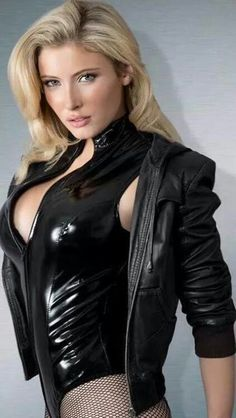 Dark Sinful Fashion that Summons the Deviant Within. Beautiful women wearing Leather, Latex, Vinyl, and PVC lingerie and Fetish wear. Latex Babe, Sexy Latex, Leather And Lace, Leather Jacket, Vinyl Clothing, Latex Girls, Lingerie Collection, Celebs, Celebrities