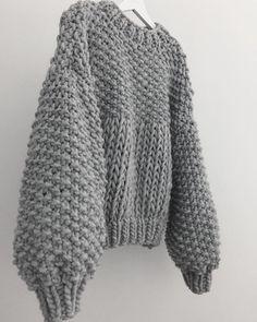 Sweater Knitting Patterns, Crochet Patterns, Wooly Jumper, Baby Dress Patterns, Rainbow Sweater, Chunky Wool, Knit Fashion, Winter Looks, Crochet Yarn