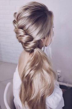 wedding hairstyle trends low side ponytail with swept side crown lenabogucharskaya We have collected wedding ideas based on the wedding fashion week. Look through our gallery of wedding hairstyles 2019 to be in trend! Pretty Hairstyles, Braided Hairstyles, Hairstyle Ideas, Hairstyles Haircuts, Hairstyles To The Side, Straight Wedding Hairstyles, Straight Hair Updo, Teenage Hairstyles, Elegant Hairstyles