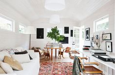 This Sonoma ranch house tour with whitewashed walls, warm mid-century modern touches, and perfectly styled living areas is inviting through and through. Deco Boheme, Boho Home, Decoration Inspiration, Living Spaces, Living Room, California Homes, Interiores Design, House Tours, Home Office