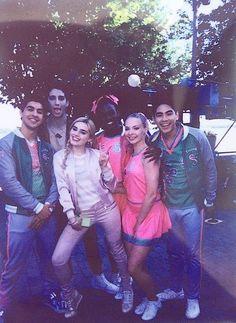 FUNDAY Disney Channel Stars, Disney Stars, Emilia Mccarthy, Meg Donnelly, Zombie Disney, Zombie Movies, Zombie Art, 2 Movie, Cute Actors