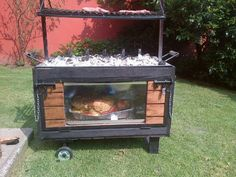 Asador tipo ataud ADN !! $ Outdoor Oven, Outdoor Cooking, Custom Bbq Grills, Cooking Over Fire, Diy Smoker, Brick Bbq, Diy Grill, Backyard Buildings, Rustic Restaurant