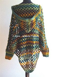 *CROCHET PATTERN ** ** (Dutch & English-US)* Poncho with hood and sleeves.. €2.46 EUR about $2.78